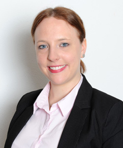 Profilfoto Rechtsanwältin Carina Kutschenreuter - Rechtsanwaltskanzlei Klein & Kollegen in Neuburg